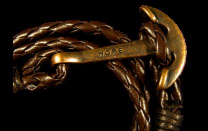 Brunt läderarmband med ett ankare i antikstil