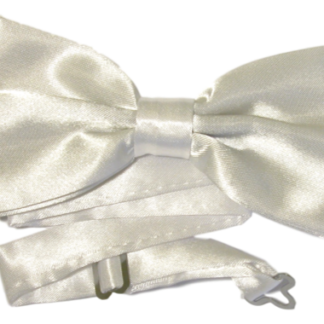 Enfärgad stilren vit fluga