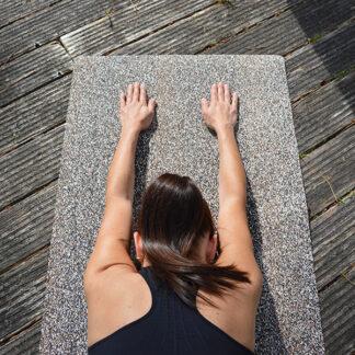 Yogamatta i naturkork och återvunnen gummi